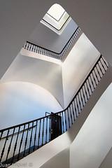Escaleras (Juan Miguel) Tags: comunidadvalenciana espaa europa europe juanmiguel sonyalpha65 spagne spain spanien tokina1116 valencia architecture arquitectura escaleras interior stairs