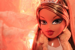 Lovetrap (Vuffy VonHoof) Tags: bratz brats doll dolls toy toys mga mgae princess princesses jade fiana tan tans nude nudes tone photography golden gold fun sweet 16 funky royal