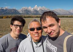 Sunny Cheng men selfie. (Ethan Cheng) Tags: grandtetonnationalpark epl7 olympus mzuikodigitaled12mmf20 mountain wyoming 12mm grandtetonnp pen penlite