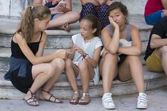 IN ATTESA DI ENTRARE-1 (matteocaponetti) Tags: lisbona attesa children bambine gioco noia bambini viaggioportogallo