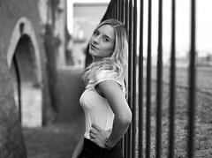 V. bw portrait (Giuseppe_mat90) Tags: zenza bronica etr bw black white analog portrait film girl italy medioformato pellicola medium format mediumformat zenzanon 75mm ilford delta 100 id11