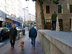 P1270011 (CarluzFoto) Tags: color people peopleonthestreets pontevedra streetphoto streetphotography
