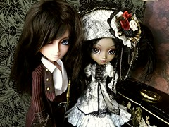 Arno & Bonnie (Lunalila1) Tags: doll groove junplaning taeyang pullip motochika chosokabe arno another queen bonnie pirata pirate handmade outfit costura veritas fake white couple