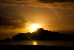 flare@sunset.com (obsidiana10) Tags: sunset flare puestadesol pontevedra radepontevedra isladetambo tamboisland