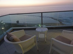 Balcony, Bat Yam (dlisbona) Tags: sunset sea vacation holiday vacances soleil israel telaviv sonnenuntergang view apartment flat rental location appartement luxury seaview  coucherdusoleil batyam louer apartement sejour