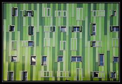 Arquitectura ecológica (Pogdorica) Tags: madrid verde arquitectura ventanas tono lineas ecologico vallecas ensanche goldcruzadasi