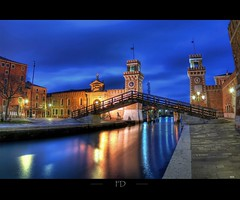 Arsenale de Venezia (Fabdub) Tags: longexposure bridge venice colors night italia pentax fisheye ciel pont venise venezia nuit hdr italie arsenale pentax1017mm fisheye1017mm pentaxart pentaxk7