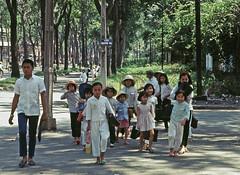 Saigon 1968 - Góc Nguyễn Du-Cường Để (nay là ND-Tôn Đức Thắng). (manhhai) Tags: 1969 1968 saigon