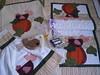 Troquinha Cocós na Cozinha Recebida - Grupo Quiltaria (Atelier Mimos da Fau) Tags: galinha quilt grupo patchwork avental portamoedas niqueleira patchcolagem troquinha trilhodemesa batemão patchapliquée