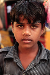 IMG_8734.jpg (#Hani#) Tags: boy vacation india arm poor kinder menschen hunger cocuk indien 2012 peolple pamuk erkek seker mutluluk suprize hindis fakirlik saskinlik
