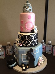 "dual baby shower cake with top hat and crown • <a style=""font-size:0.8em;"" href=""http://www.flickr.com/photos/60584691@N02/8547736032/"" target=""_blank"">View on Flickr</a>"