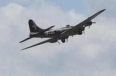 Texas Raiders (Bill Jacomet) Tags: flying airport texas air 1940 houston terminal hobby b17 bomber fortress warbird warplane raiders b17g texasraiders