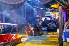 Floating-Market-Ray-of-Light-Through-Tourist-Trap (Captain Kimo) Tags: thailand boat floatingmarket simplify photomatixpro tonemapping singleexposurehdr detailenhancer topazsoftware captainkimo