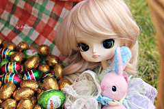 Happy Easter ! (Little.Darki) Tags: pink white rose easter doll chocolate dal cm blond wig blonde 23 ikuko chocolat perruque pques sbhs joujou leeke obitsu 23cm rewigged obitsued