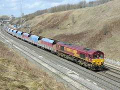 66188 N.P Hoppers to Tunstead 15/04/2013 (37686) Tags: np hoppers tunstead 66188 15042013