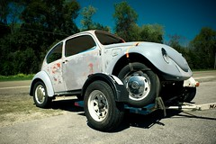 RWD (MilkaWay) Tags: vw bug georgia grey funny transport towed sylvania hauled us301 screvencounty