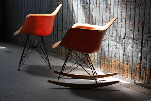 Exhilarating Early Eames Salmon RAR Rocker for Herman Miller (U.S.A., 1950