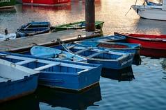 Barcas en Luarca (ccc.39) Tags: asturias luarca puerto barcas agua water mar cantbrico atardecer sunset reflejos colores