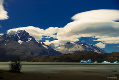 Untitled (.KiLTRo.) Tags: torresdepaine regindemagallanesydelaan chile regindemagallanesydelaantrticachilena kiltro water lake ice mountains glacier grey clouds color nationalpark landscape