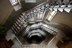 (ilConte) Tags: milano milan italy liberty casaguazzoni giovanbattistabossi architettura architecture architektur scale stairs treppe