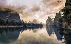 Guilin February 12, 2013 (Massetti Fabrizio) Tags: bestcapturesaoi elitegalleryaoi photographyforrecreationeliteclub flickrstruereflectionexcellence flickrsfinestimages1 flickrsfinestimages2 flickrsfinestimages3 celebritiesofphotographyforrecreation besteverexcellencegallery vigilantphotographersunite vpu2 vpu3 vpu4 vpu5 vpu6 photographyforrecreationclassic celebritiesphotographyforrecreation