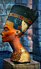 Nefertiti - The Beauty has come (Amberinsea Photography) Tags: berlin beautiful germany ancient nefertiti ancientegypt amarna queennefertiti egyptianmuseumberlin amarnaperiod amarnaart elamarna ägyptischesmuseumberlin amberinseaphotography workshopofthutmose