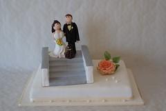 (Ssses Atelier) Tags: wedding rose weddingcake sugar fimo rosen hochzeit hochzeitstorte torte fff roseflower brautpaar sugarpaste sugarflower tortenfiguren tortendekoration sssesatelier roseauszucker tortenkunst