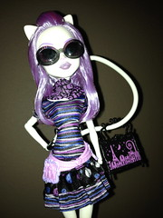 I Just Wanna Feel This Moment... (Venus_Forever) Tags: city monster cat high doll dolls mattel catrine frights 2013 werecat scaris demew