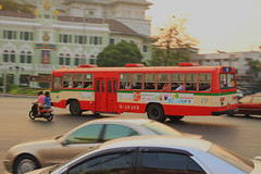 Red Bus Busy in Bangkok (WeeKit) Tags: bangkok rattanakosin