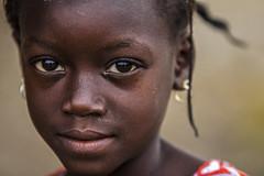 la dolcezza di uno sguardo (mat56.) Tags: portrait face eyes child occhi senegal ritratti ritratto viso bimba bambina villaggio sipo mat56