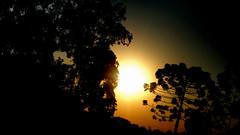 Pegue a estrada e desligue o celular veja o por do sol!