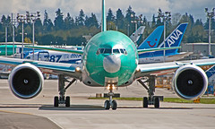 """A7BEA""   2013 04 14 _IGP8362 ed1 (Vintage Racer) Tags: pdx boeing 777 qatar 777300 7773dzer a7bea cn41779"