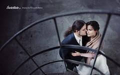 swietliste-fotografia-slubna-bydgoszcz-plener-industrialny-pusta-hala-fotografujemy-emocje