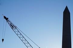 Oblisque 5 (luco*) Tags: sky usa washington crane united ciel stats obelisk grue oblisque tatsunis