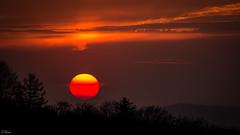 Abendrot 114/365 (Gruenewiese86) Tags: sunset sun sunlight rot canon germany eos abend spring sonnenunterga
