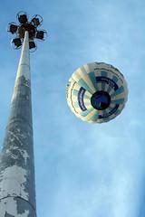 (Priscila Costa!) Tags: blue sky braslia balloons balloon balo