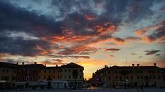 (Cristina Birri) Tags: tramonto sunset estate summer palmanova udine friuli piazza grande borgo nuvole clouds