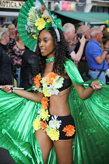 Sommerkarneval 2016, Rotterdam, 539 (Andy von der Wurm) Tags: zomercarnaval 2016 juli july sommerkarnveval carnaval karneval carneval carnival rotterdam niederlande netherlands nederland holland zuidholland sdholland southholland suedholland europa europe boy girl male female teen twen teenager sexy pretty beautiful hbsch farbig farbenfroh bunt colorful colourful costumes kostme kostueme portrait streetphotography strassenfotografie people menschen outdoor latina latino performer costume