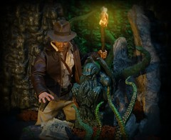 Indiana Jones & the Cult of Cthulhu (MiskatonicNick) Tags: hottoys indianajones diorama cthulhu 16 sixthscale playscale