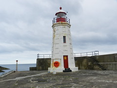 Lybster Harbour Light, Caithness, Sutherland, July 2016 (allanmaciver) Tags: lybster sutherland caithness east coast white red light harbour pier stone thick walls cloudy allanmaciver