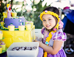 (dixoncamera.com) Tags: canon eos 5d mk3 50mm f14 birthday party gathering event celebration girl female