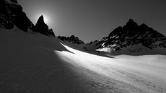 The path / El paso (Pajaro Post) Tags: patagonia elbolsn hielo nieve blancoynegro sombras peritomoreno ski esqu esqudetravesa bn bw