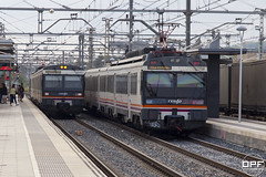 Creuement de 470 (Escursso) Tags: 440 470 470128 adif catalunya comarruga renfe svc santvicençdecalders tarragona trainspotting rail railway spain train tren