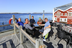 Lunch p Grundsund (Anders Sellin) Tags: 2016 friends grundsund sverige sweden vstkusten westcoast autumn kayaking ocean sea sport water watersport vstkusten vatten kajak orust hst rkeri