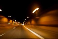 10-04-25 dyn tunn rck 3  dsc02060 (u ki11) Tags: b236 dynamik flucht kurve lichterkette nah tunnel twunscharf