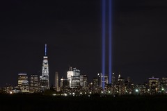 9/11 2016 (norlandcruz74) Tags: 15years 15yearsafter remembrance tributeinlights oneworldtradecenter freedomtower fixedfocallength lens prime 35mm nikkor afs dx d5100 nikon filam pilipino filipino pinoy norlandcruz 911 2016 september11 city newyork ny nyc downtown manhattan sky night