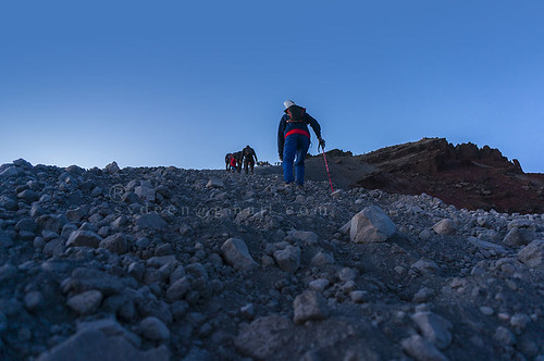 www.boulderingonline.pl Rock climbing and bouldering pictures and news rinjani summit attack