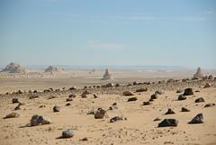 Chocolate (soysoler) Tags: africa blanco sol desert egypt arena desierto egipto wste calor wite