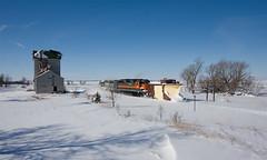 DMVW Russell; Cayuga, ND (Ottergoose) Tags: railroad train russell snowplow driftbusting emdsd45 dmvw7517
