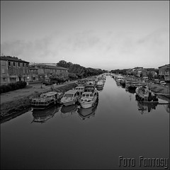 water mirror (F0T0 FANTASY) Tags: blackandwhite bw france river boats olympus maryjoe beaucaire watermirror lerhône epl1 mygearandme mygearandmepremium blinkagain rememberthatmomentlevel1 rememberthatmomentlevel2 rememberthatmomentlevel3 fotofantasy© vigilantphotographersunite it'sonlyblack'nwhitebutilikeit vpu2 vpu3